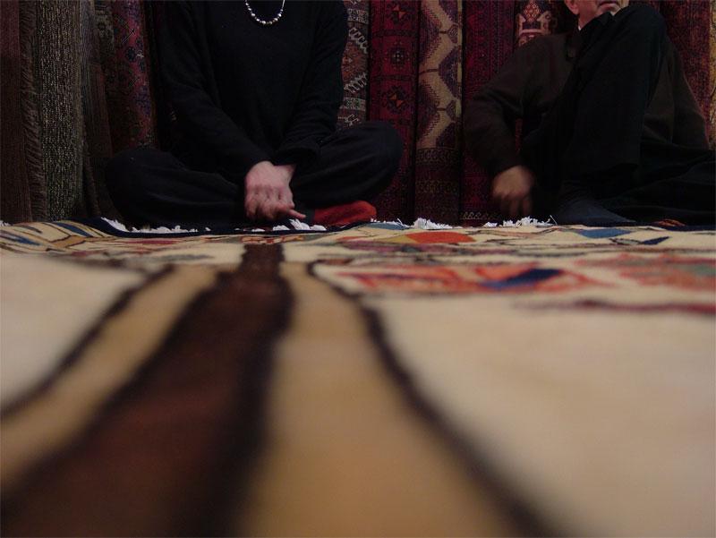 今年のモハンさんの絨毯展♪_c0110051_9283417.jpg