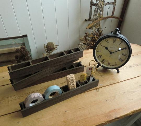木箱と時計と服と・・・_a0164280_8263867.jpg