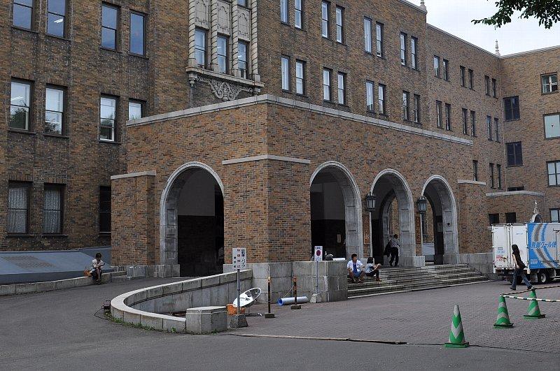 北海道大学環境資源バイオサイエンス研究棟_c0112559_14305852.jpg
