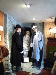 UK~ロンドンで有名人を見学 蝋人形とホームズ_e0195766_1244499.jpg