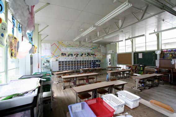 日土小学校と松村正恒展:日土小学校見学_e0054299_10264142.jpg