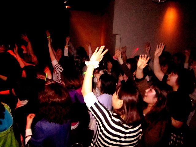 ROCK CRIME SP GUEST DJ - やついいちろう_e0115904_1252393.jpg