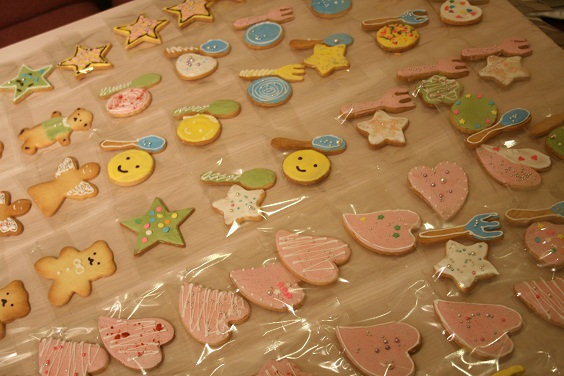 『comer』 コメル マルシェのクッキー作り。_e0045565_2257317.jpg