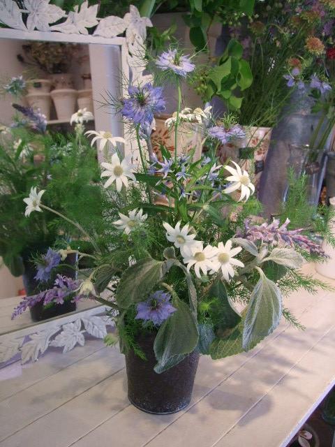 オークリーフ花の教室(島崎さんの作品)_f0049672_1822398.jpg