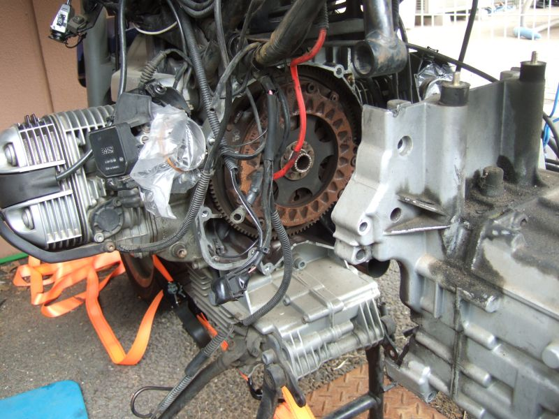BMW R1100RSのクラッチ交換_a0038328_0272528.jpg