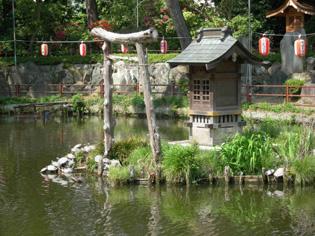 久伊豆神社の藤祭り&お水取り_e0125731_5233185.jpg