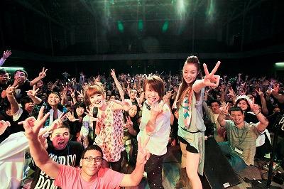ステレオポニー、「Anime Boston」でのライブに4000人を超す超満員のオーディエンス!_e0025035_12462776.jpg