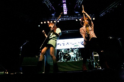 ステレオポニー、「Anime Boston」でのライブに4000人を超す超満員のオーディエンス!_e0025035_1246842.jpg