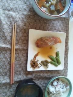ごはん、煮魚だぢぇい_e0114246_224284.jpg