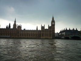 UK~ロンドンミニクルーズとロンドンご飯_e0195766_0354224.jpg