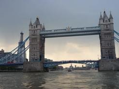 UK~ロンドンミニクルーズとロンドンご飯_e0195766_0365275.jpg