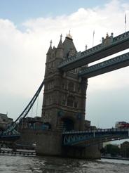 UK~ロンドンミニクルーズとロンドンご飯_e0195766_037473.jpg