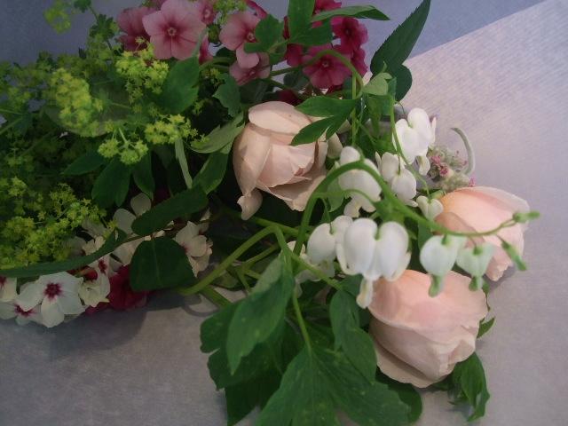 オークリーフ花の教室(季節のバラを使って・・・)_f0049672_18435793.jpg
