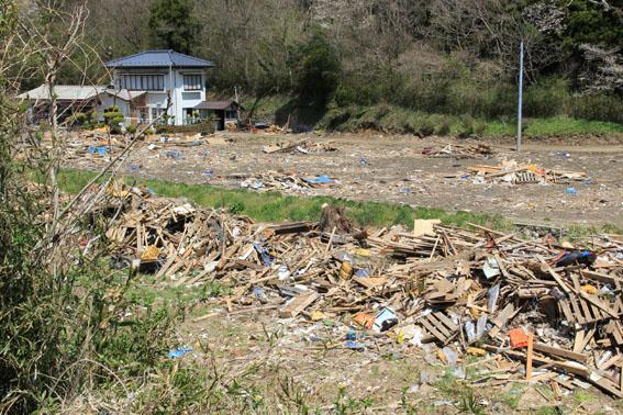 東日本大震災1:南三陸町1_e0054299_1455187.jpg