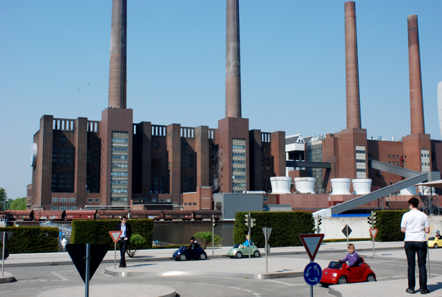 自動車の町 Wolfsburg で使われているフォントは_e0175918_17212542.jpg