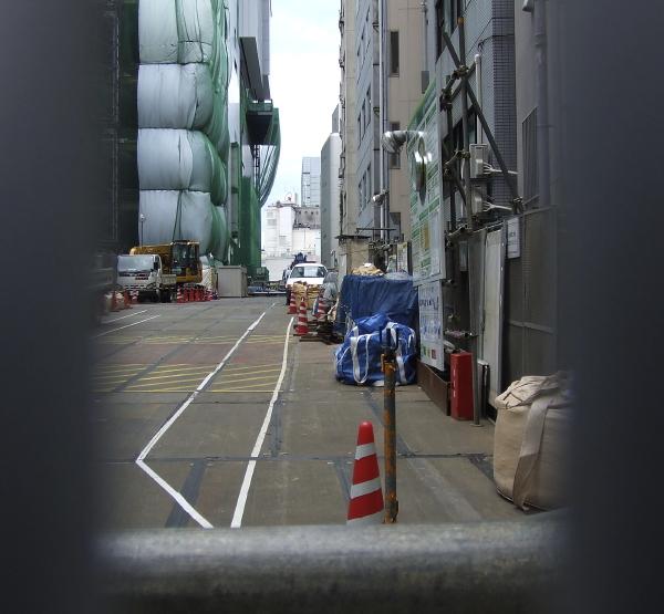 銀座線はどこで地下に潜るか。渋谷現地レポ2011.05_c0070938_19233566.jpg