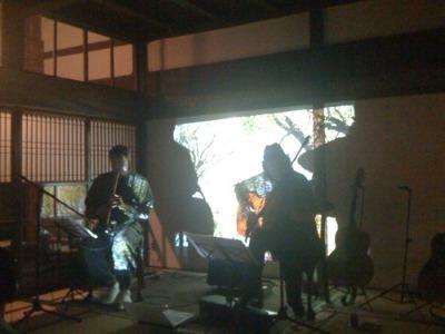 茶房 Batikで尺八&チャランゴの競演_d0084478_20581822.jpg