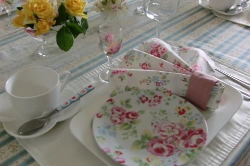キャスキッドソンのテーブル_a0125981_19284066.jpg
