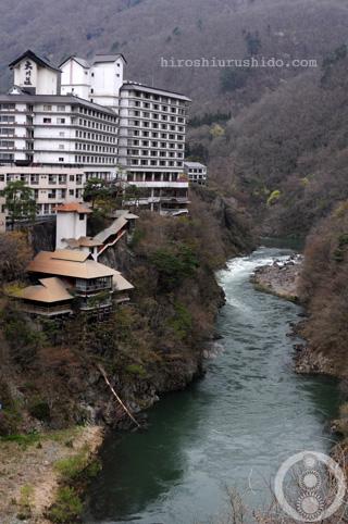 崖の上のホテル_c0229485_234669.jpg