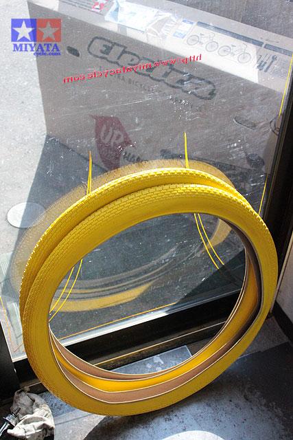タイヤの色いろいろ_e0126901_18215794.jpg