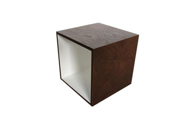WALNUT Cube_a0161631_18221926.jpg