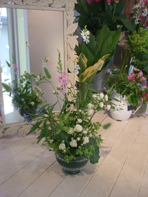 オークリーフ花の教室(石井さんと吉田さんの作品)_f0049672_18372099.jpg