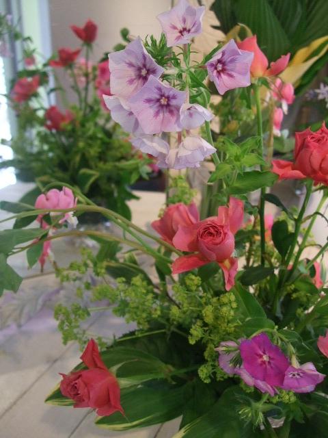 オークリーフ花の教室(石井さんと吉田さんの作品)_f0049672_18463163.jpg