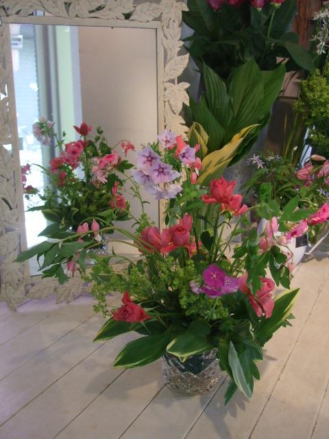オークリーフ花の教室(石井さんと吉田さんの作品)_f0049672_18464015.jpg