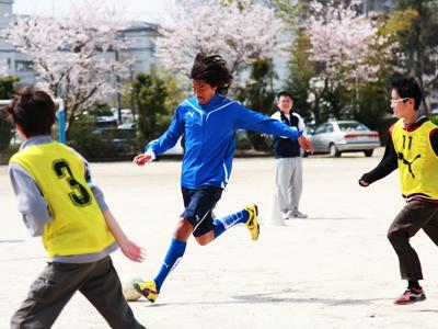 横浜Fマリノス中澤佑二選手、広野っ子と交流_d0081884_15472044.jpg