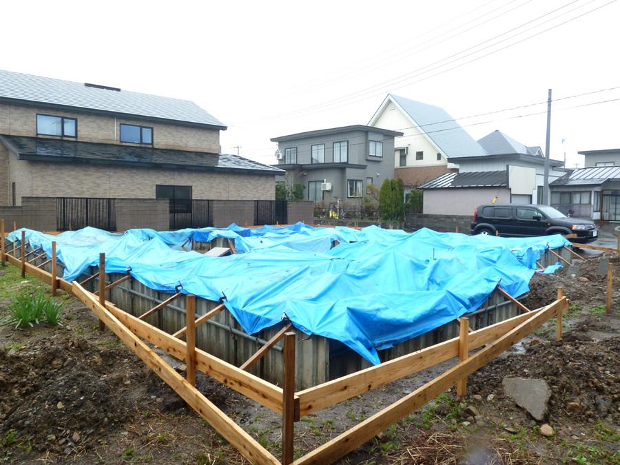 K様邸「船場町の家」 基礎立上り打設_f0150893_1991977.jpg