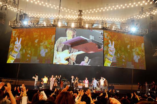 『忌野清志郎 ロックン・ロール・ショー』豪華出演アーティスト陣によって蘇った名曲の数々!大盛況で終演_e0197970_4101644.jpg