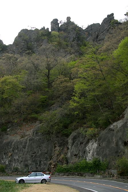 岩山二つ - 武甲山と妙義山 -_b0190710_2342399.jpg