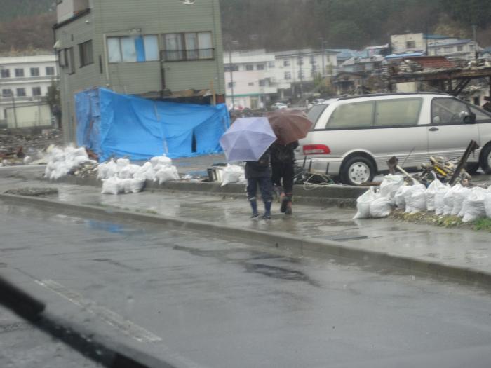 土のう袋を必要としています~山田町災害VCより~_c0010936_1343810.jpg
