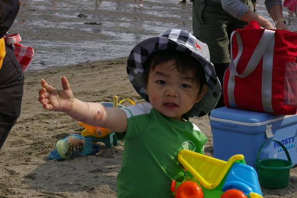 潮干狩りPart 1/shellfish gathering on a beach, part1_a0186568_23592668.jpg