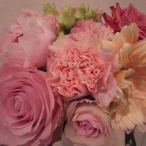 ピンク色の花束_d0104091_2072924.jpg