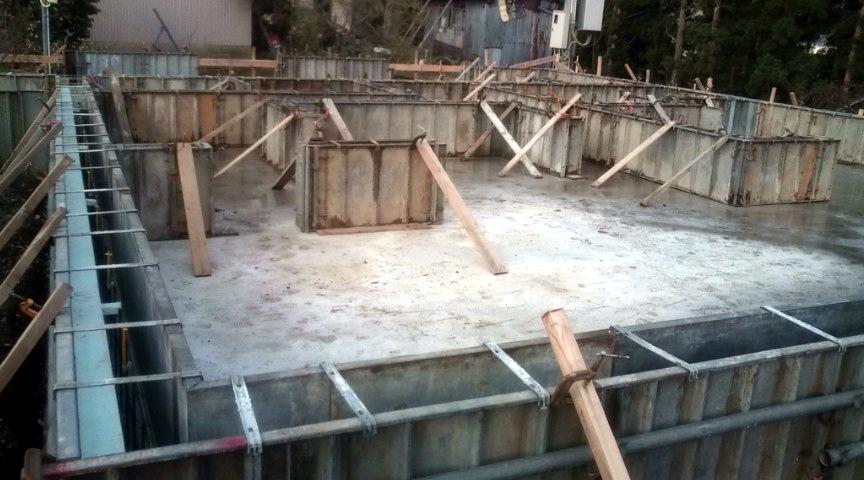Y様邸「峰吉川の家」 基礎工事中_f0150893_944453.jpg
