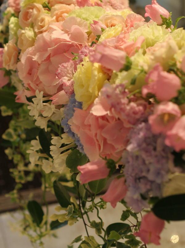 シャンパングラスと5月の装花 おまかせで  _a0042928_1944541.jpg