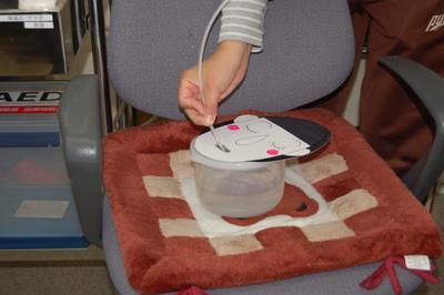 看護師による口腔吸引研修を実施。_a0154110_1132282.jpg