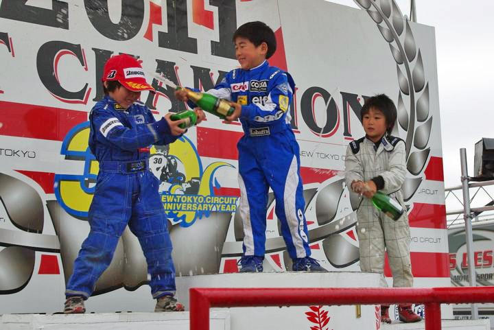ジュニアカートFes『キッズカートクラス』表彰式&レース【2011.5.5】_c0224820_17412980.jpg