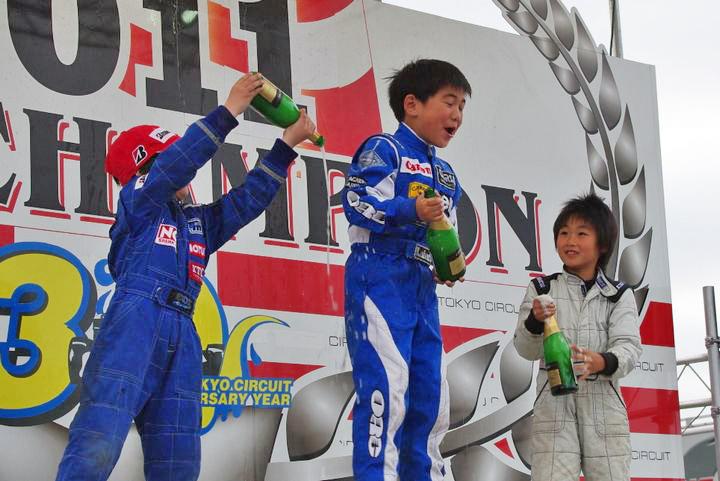 ジュニアカートFes『キッズカートクラス』表彰式&レース【2011.5.5】_c0224820_17414050.jpg