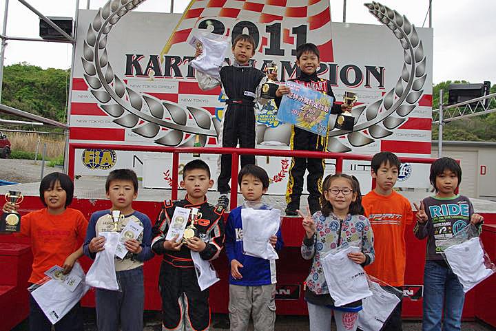 ジュニアカートFes『コマー60』表彰式&レース【2011.5.5】_c0224820_17515021.jpg