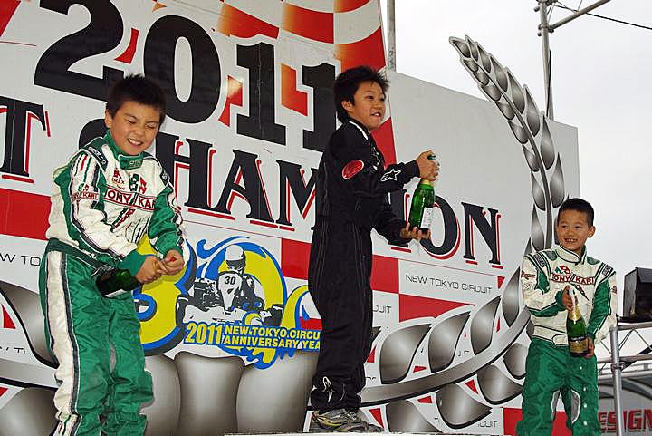 ジュニアカートFes『ジュニアカデット』表彰式&レース【2011.5.5】_c0224820_18133118.jpg