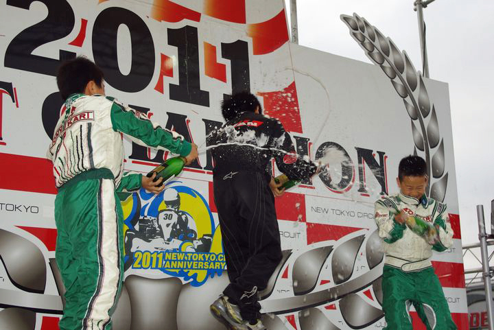 ジュニアカートFes『ジュニアカデット』表彰式&レース【2011.5.5】_c0224820_18133899.jpg