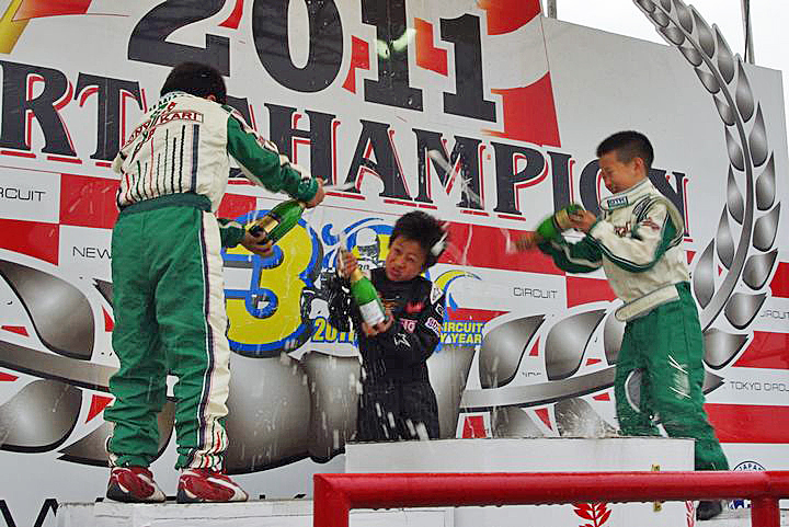 ジュニアカートFes『ジュニアカデット』表彰式&レース【2011.5.5】_c0224820_18134522.jpg
