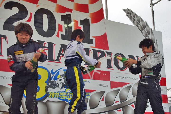 ジュニアカートFes『Sクラス』表彰式&レース【2011.5.5】_c0224820_18225841.jpg