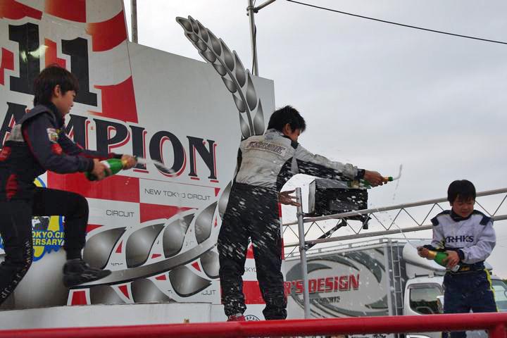 ジュニアカートFes『Sクラス』表彰式&レース【2011.5.5】_c0224820_1823595.jpg