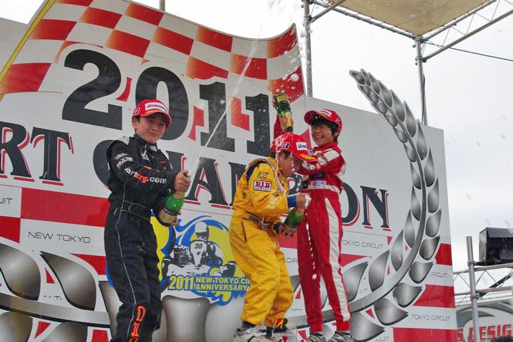 ジュニアカートFes『BSシリーズ』表彰式&レース【2011.5.5】_c0224820_184657.jpg