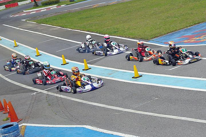 ジュニアカートFes『BSシリーズ』表彰式&レース【2011.5.5】_c0224820_18493248.jpg