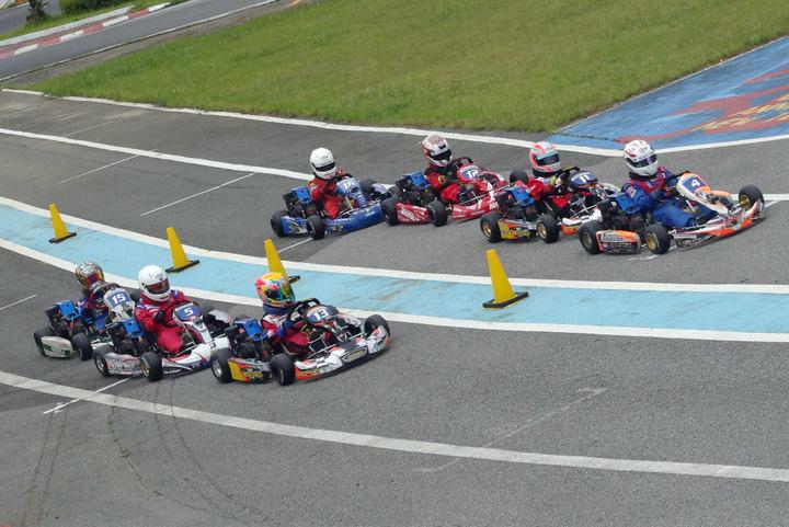 ジュニアカートFes『BSシリーズ』表彰式&レース【2011.5.5】_c0224820_18495220.jpg
