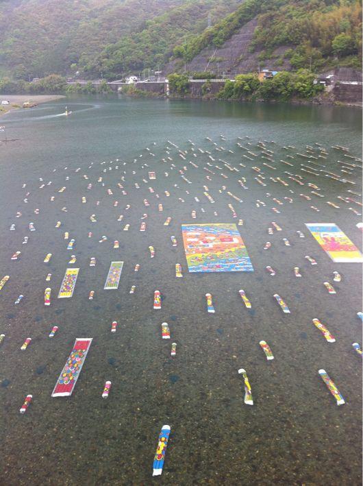 水の中で泳ぐ鯉のぼり (高知県いの町にて)_b0210827_215311.jpg